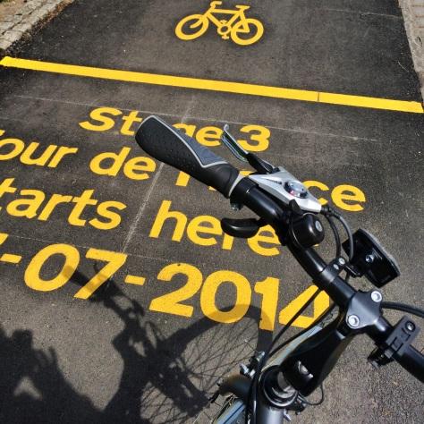 Mi bici en plena salida del 'Tour de France'