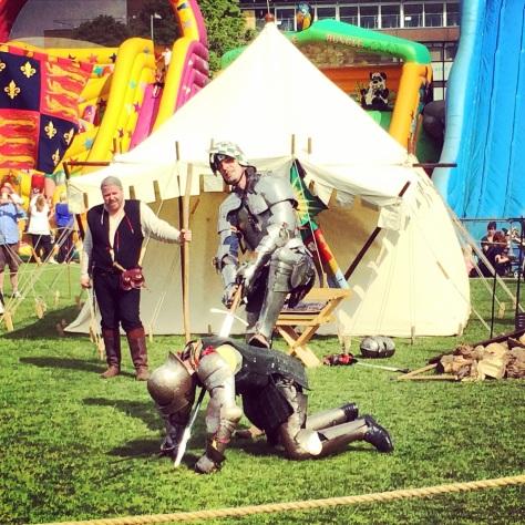 Pelea de caballeros medievales