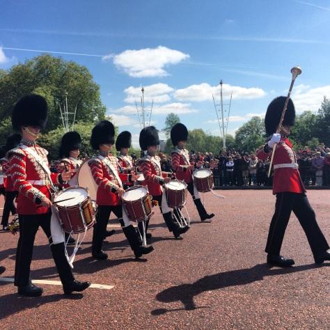 La Guardia marchando hacia el Palacio de Buckingham