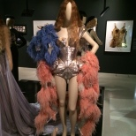 Diseño con el que Kylie Minogue abría su última gira americana