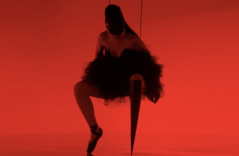 Captura del video Prototype de Viktoria Modesta para Channel 4