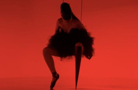 Captura del video Prototype de Viktoria Modesta para Channel 4