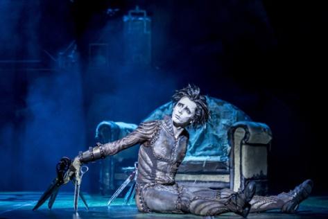 Eduardo Manostijeras se ha adaptado a la perfección a su versión ballet.