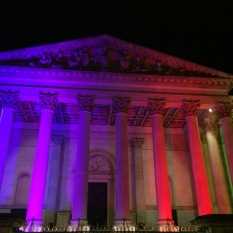 El Fitzwilliam Museum en modo arco iris.