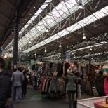 Uno de los mercados que se instalan los fines de semana en la zona.